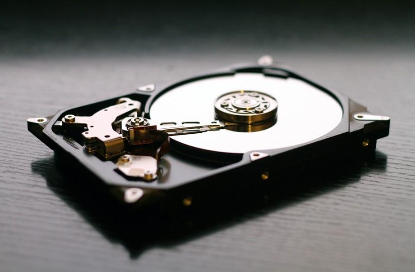 Ustvarimo identično kopijo trdega diska ali SSD-ja